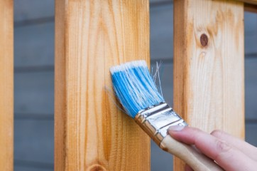 Frisk dit træværk op med træbeskyttelse af god kvalitet til lave priser